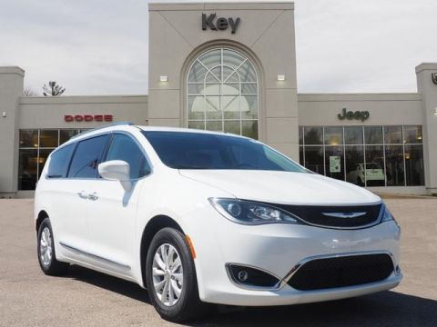 New Chryslers For Sale in Xenia | Key Chrysler Jeep Dodge